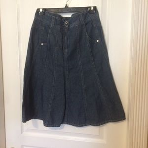 Apanage flared quality denim skirt with pockets